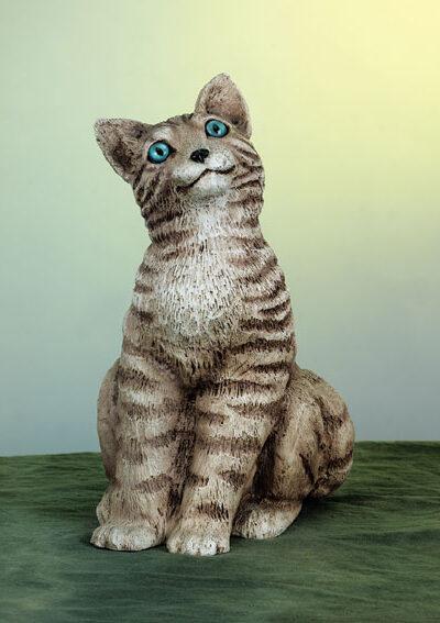 36. F42M gatto seduto